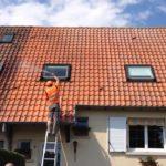 Produits anti-mousse pour les toitures : comment ça fonctionne ?